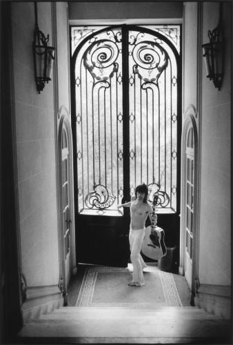 Dominique Tarlé Knocking Villa Nellcôte, Villefranche sur Mer, 1971