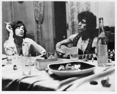 Dominique Tarlé Salle à manger (2) Mick et Keith Villa Nellcote 1971 , Villefranche sur Mer, 1971