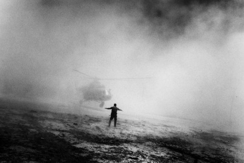 Paolo Pellegrin AFGHANISTAN. Nangahar province. May 2006 A helicopter used by Afghan interdiction to move from Kabul to team up with DEA agents to assault on compounds in a village hiding chemicals and drugs