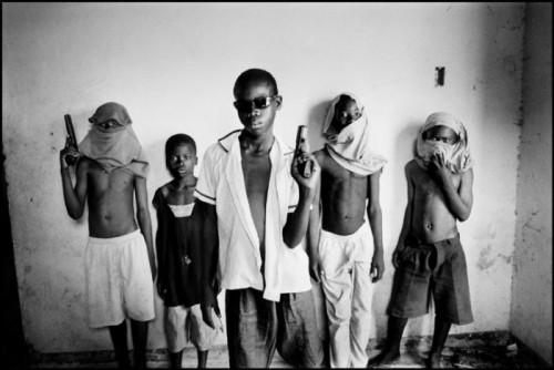 Paolo Pellegrin Gangsters  HAITI. Port au Prince. 2006