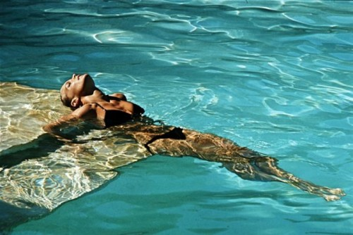 "Romy Piscine 1968, la sirène Romy Schneider sur le tournage de la ""piscine"""