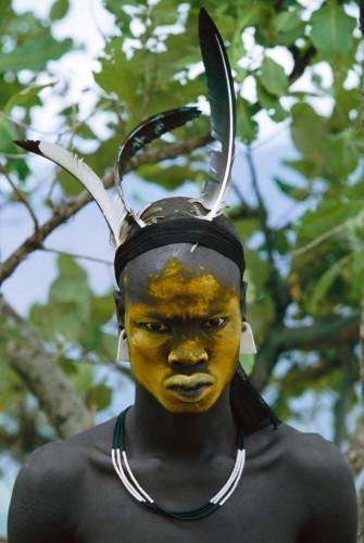 Hans Silvester Portait jaune, Peuple de l'Omo, Ethiopie, 2006