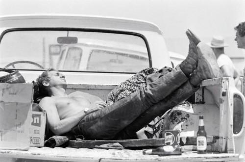 Steve McQueen in the back of truck