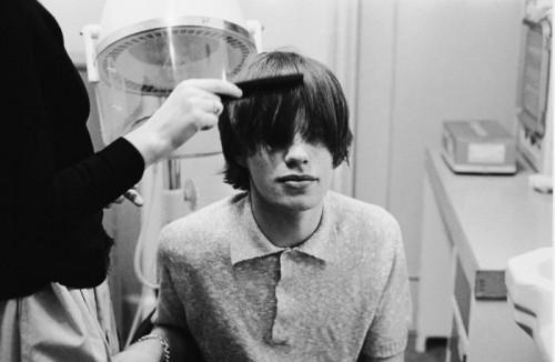 Mick Jagger Peigne chez le coiffeur