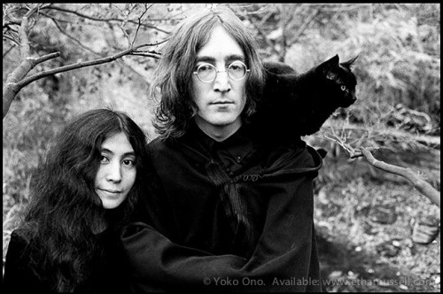 John Lennon and Yoko Ono Cat EthanRussell 1968