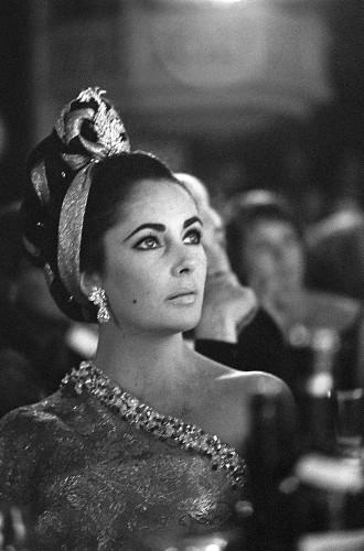 Elizabeth Taylor, Lido, Paris, 1964 (©François gragnon/ La Galerie de l'Instant)
