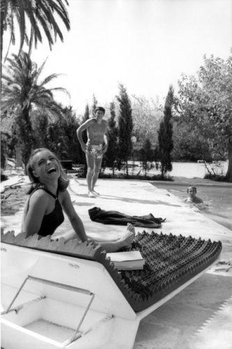 Romy Schneider, Alain Delon et Maurice Ronet, pendant le tournage de La Piscine de Jacques Deray, 1968