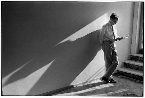 Jean-Luc Godard 1963(©Jean-Louis Swiners / gamma-rapho / La Galerie de l'Instant)