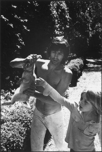 Keith Richards, Villa Nellcôte, Villefranche sur Mer,1971 (© Dominique Tarlé/ La Galerie de l'Instant)