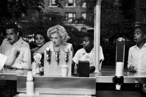 Marilyn Monroe, New York, Mai 1957, Sam SHAW - (©Sam SHAW, courtesy Galerie de l'Instant, Paris)