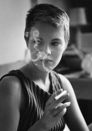 A bout de souffle - Jean-Luc Godard -1959 Jean Seberg Paris (©RAYMOND CAUCHETIER/ LA GALERIE DE L'INSTANT)