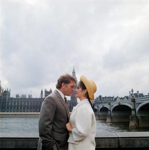 RICHARD BURTON ET ELIZABETH TAYLOR, LONDRES, 1964