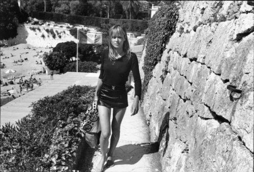 Anita Pallenberg, plage de Passable, Saint-Jean-Cap-Ferrat, 1971 (©DOMINIQUE TARLÉ/ LA GALERIE DE L'INSTANT)