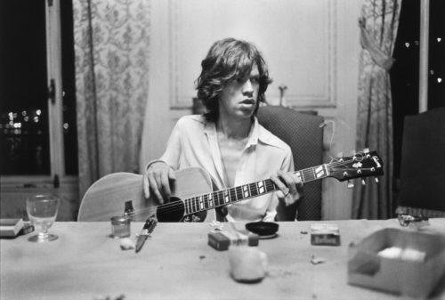 Mick Jagger, Villa Nellcote, Villefranche sur Mer, 1971 (©DOMINIQUE TARLÉ/ LA GALERIE DE L'INSTANT)